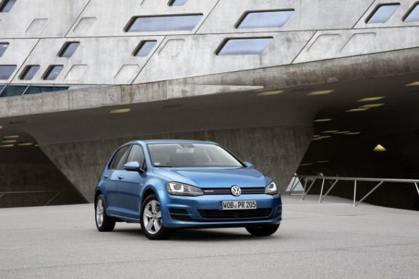 Die Frontpartie am VW Golf TGI Bluemotion